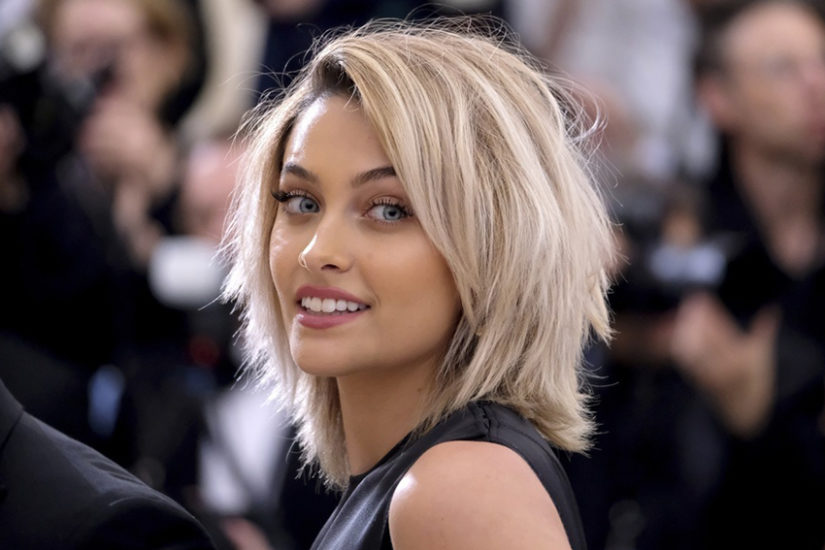 Paris Jackson na Gali MET 2017 postawiła na naturalny make up