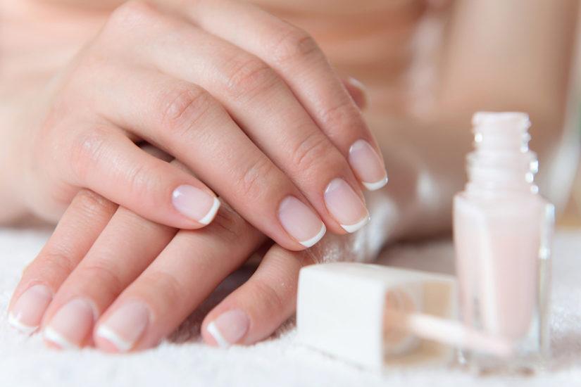 Francuski manicure jest bardzo elegancki
