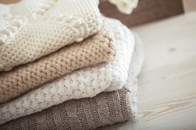 Swetry wykonane z różnych materiałów