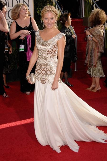 Sienna Miller w sukni Marchesa w 2007 r.