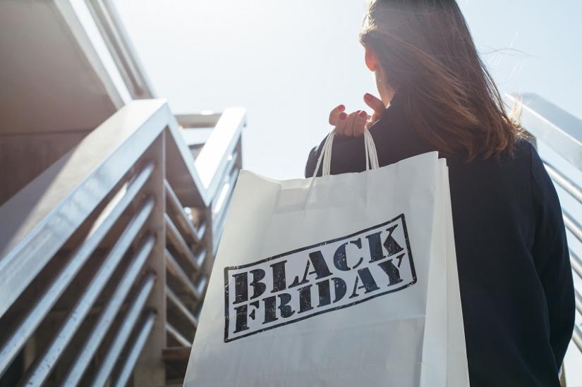 Szaleństwo zakupów Black Friday