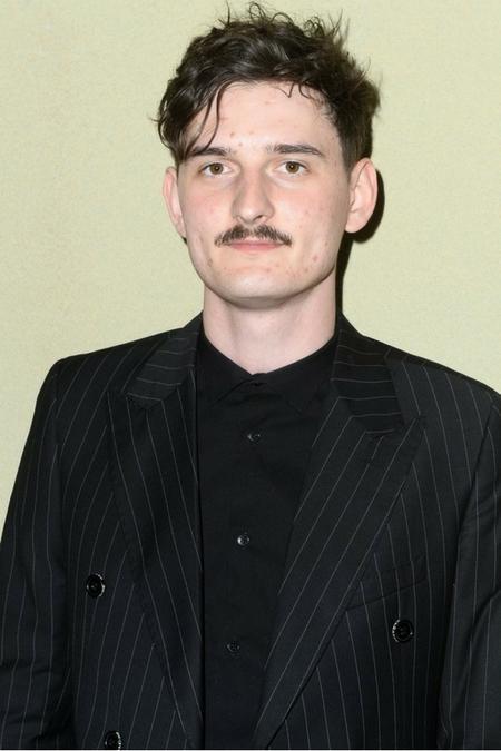 Dawid Podsiadło z wąsem
