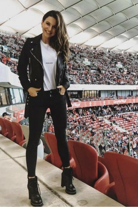 Anna Lewandowska w botkach na słupku -one są hitem tej zimy!