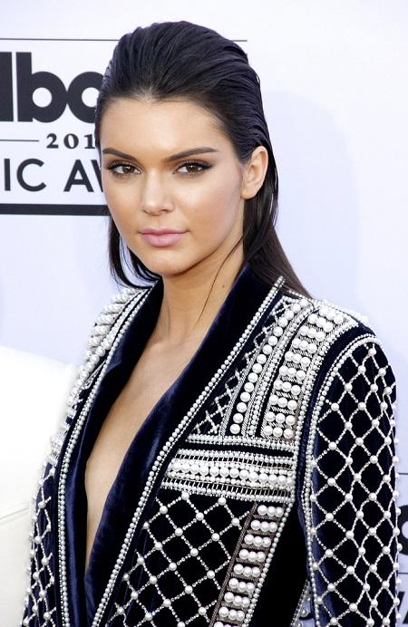 1. Kendall Jenner 22 mln dolarów