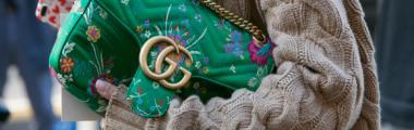 Sweter z warkoczem na jesień