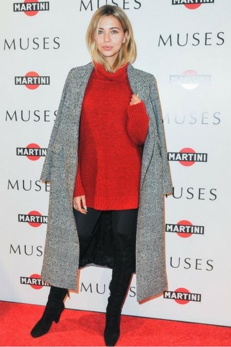 Sandra Kubicka zaprezentowała się w najmodniejszym swetrze sezonu
