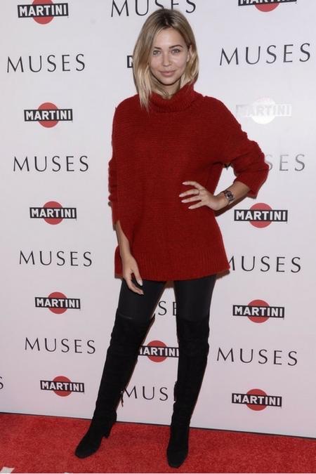 Sandra Kubicka w ciepłym  i stylowym swetrze