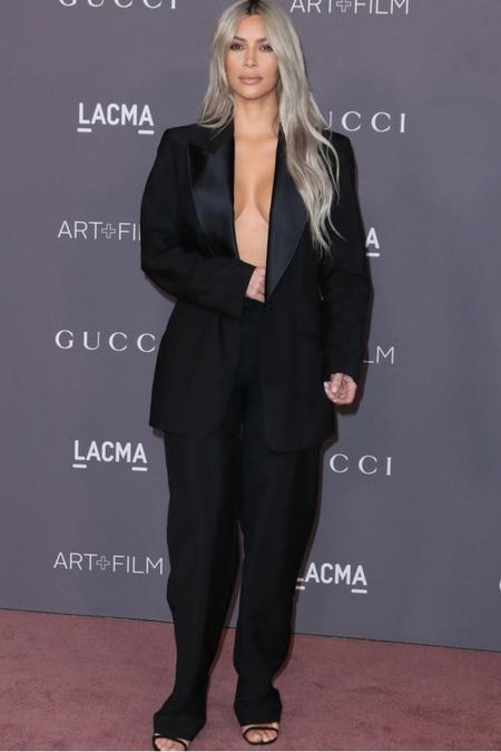 Kim Kardashian w za dużych spodniach