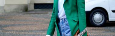 Ubrania w kolorze butelkowej zieleni