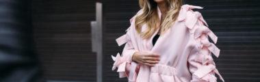 różowy kolor w zimowych stylizacjach