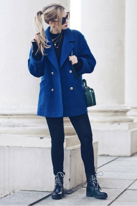 electric blue - najmodniejsza barwa tej zimy