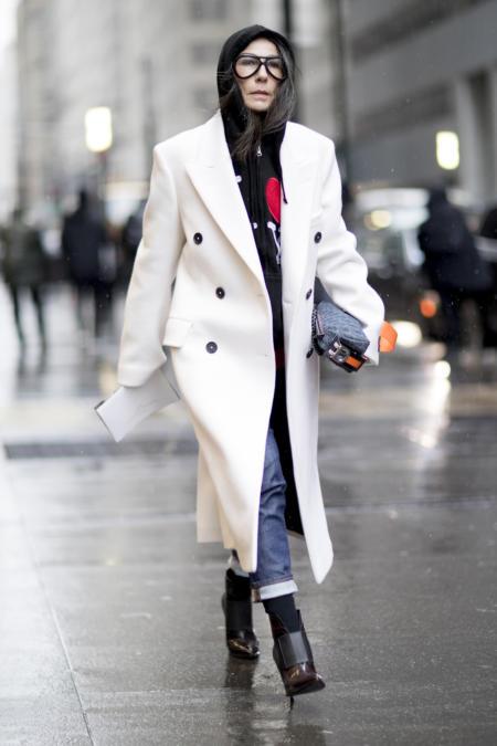 Jak nosić spodnie do butów za kostkę?