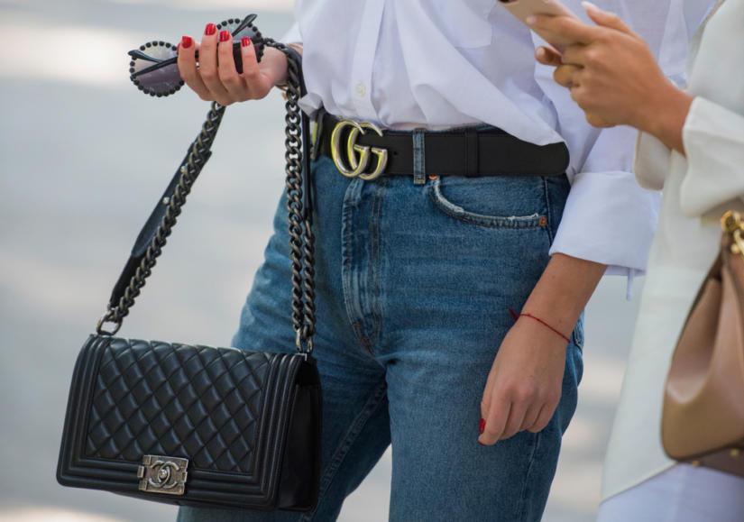 Klasyczna czarna torebka nigdy nie wyjdzie z mody