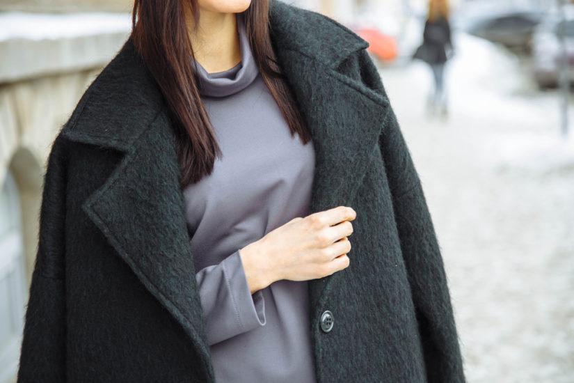 Płaszcze o fasonie oversize zagościły na stałe w naszych garderobach