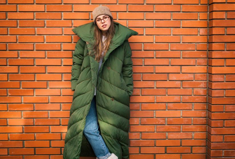 Płaszcz w stylu oversize to modna i praktyczna opcja