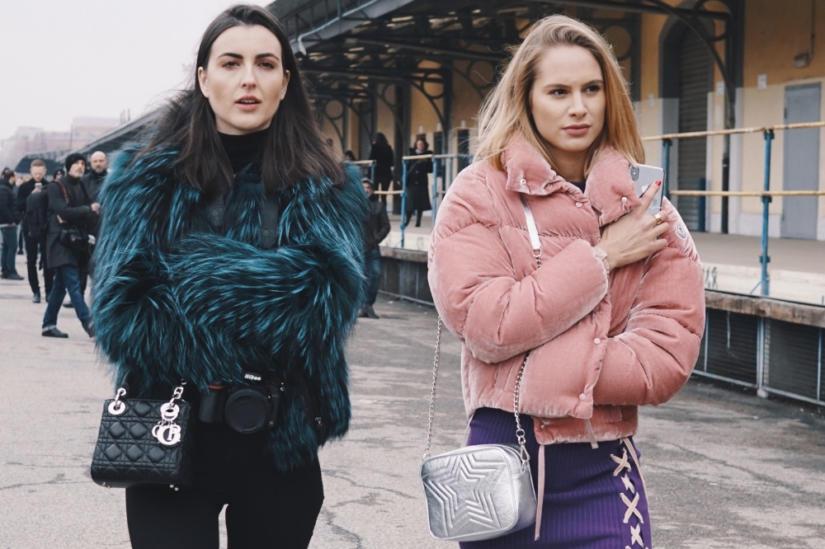 Krótkie kurtki ze sztucznego futra i weluru to prawdziwy hit tej zimy