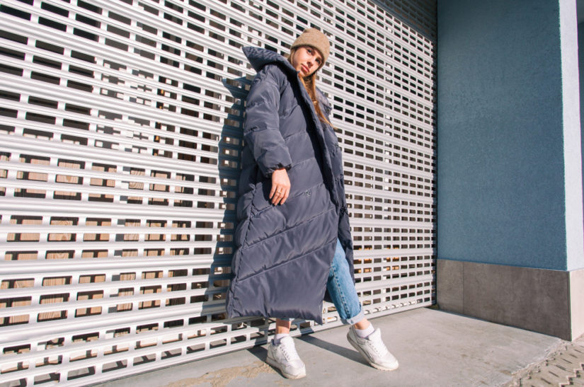 Długi puchowy płaszcz oversize - tej zimy musisz go mieć!