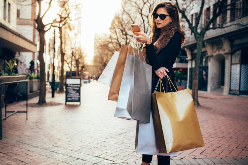 Wyprzedaże jesień-zima 2018 - zobacz, co warto kupić