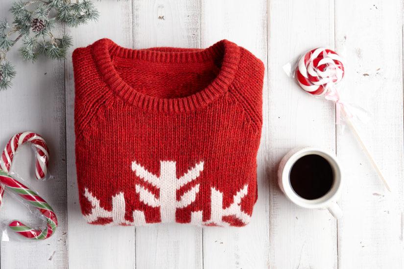 Swetry świąteczne 2019 to modele zarówno dla miłośników klasyki, jak i uroczego świątecznego kiczu!