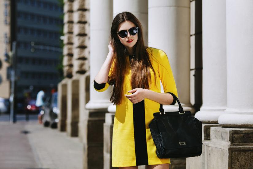 Cytrusowy żółty to hit na wiosnę 2019! Warto o tym pamiętać podczas zimowych wyprzedaży.