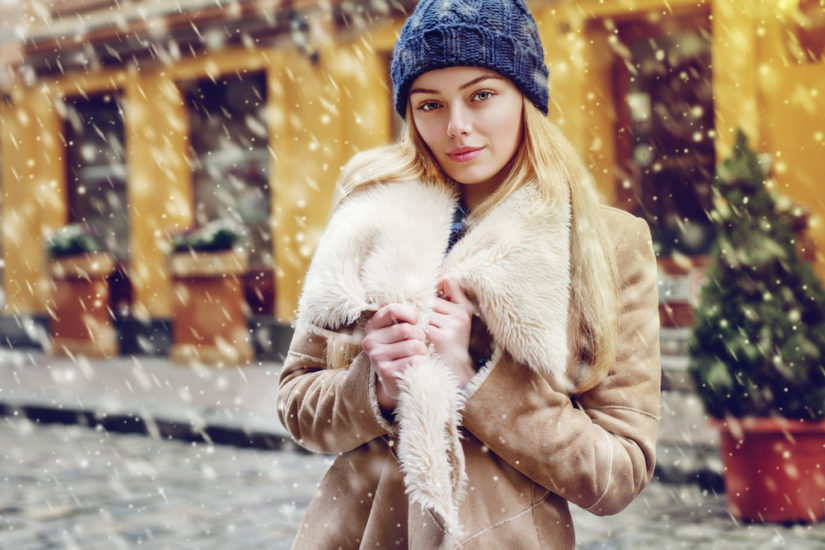 Płaszcz damski z futerkiem to modny i praktyczny wybór