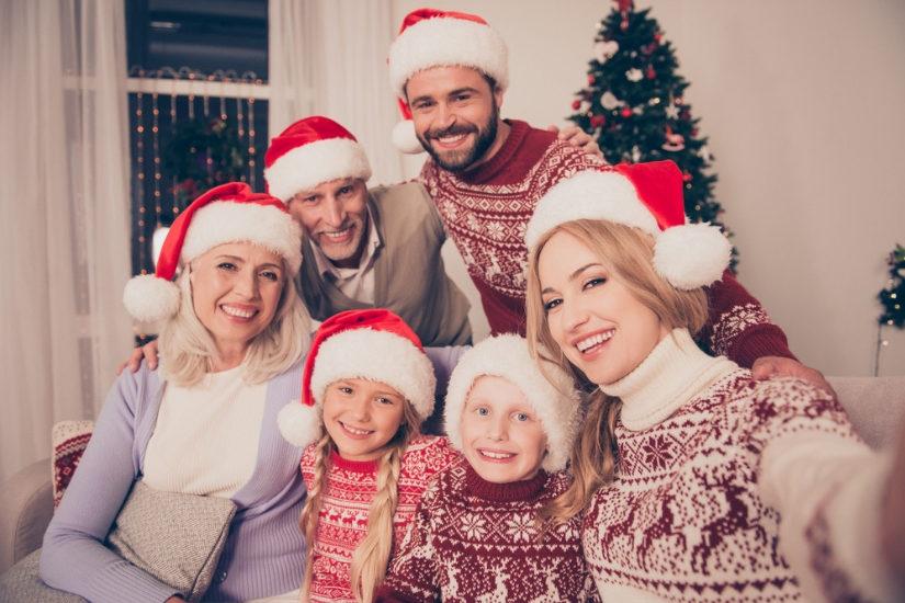 Świąteczny sweter będzie wspaniałym prezentem dla każdego członka rodziny!
