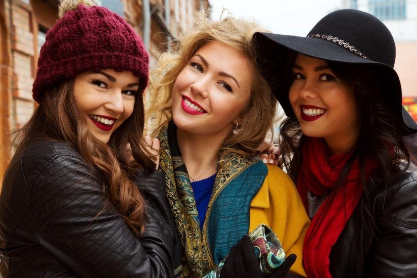 Szykowną alternatywą dla czapki może być kapelusz - elegancki lub w stylu boho