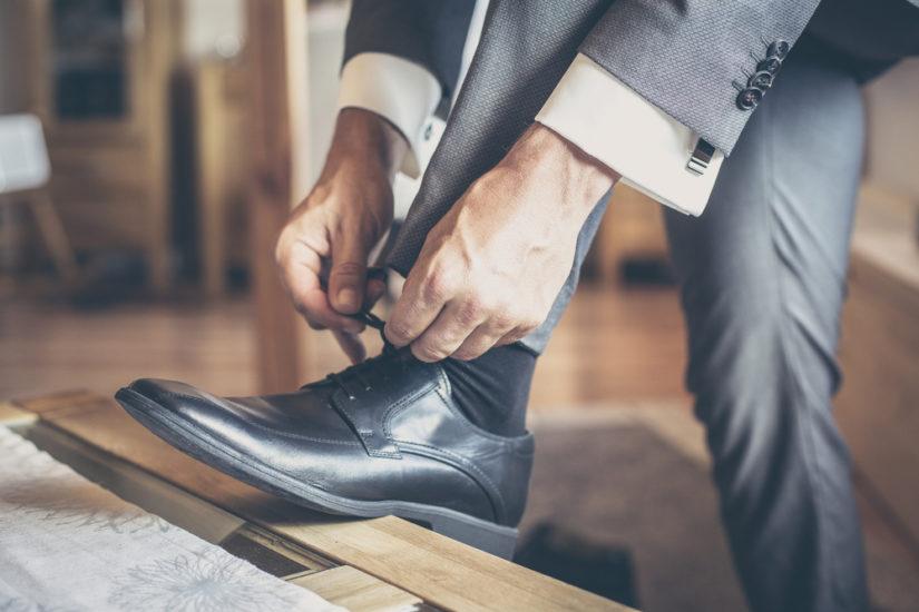 W szafie każdego stylowego mężczyzny powinny się znaleźć eleganckie buty wizytowe.