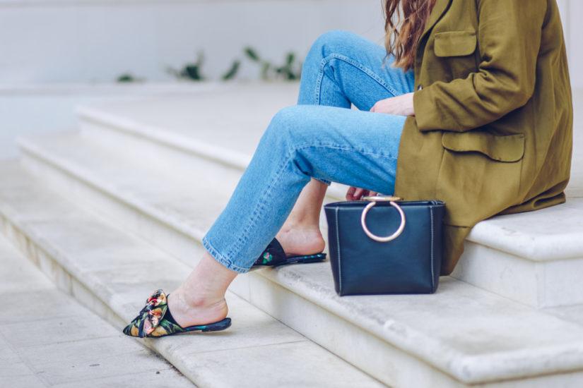 Jakie buty na wiosnę wybrać, by wyglądać stylowo i czuć się świetnie? Baleriny, klapki, sneakersy - masz mnóstwo możliwości!