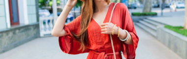 Warto uzupełnić letnią garderobę o sukienkę w stylu boho!