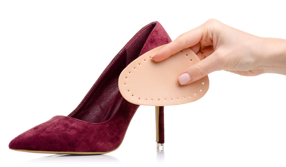 Sprawdzone sposoby na za duże buty poradnik. Jak