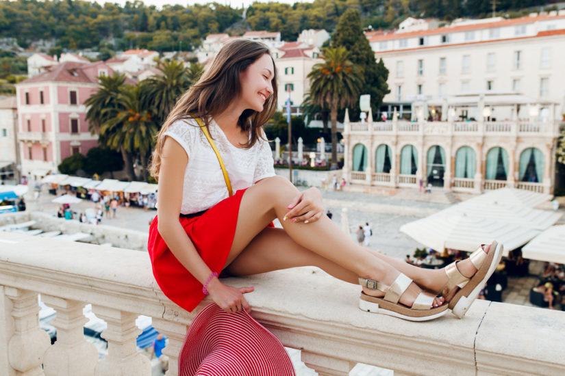 6893aa54fffa4 Sandały damskie płaskie, na koturnie i na platformie – znajdź buty ...