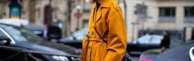 Modny trencz na wiosnę 2019 wybierz w modnym soczystym kolorze lub w odcieniach klasycznego beżu!