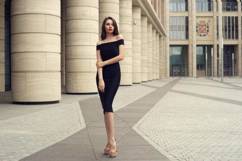 jakie buty do czarnej sukienki
