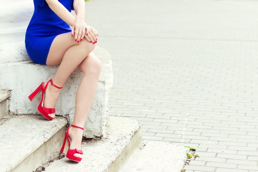 jakie buty do chabrowej sukienki