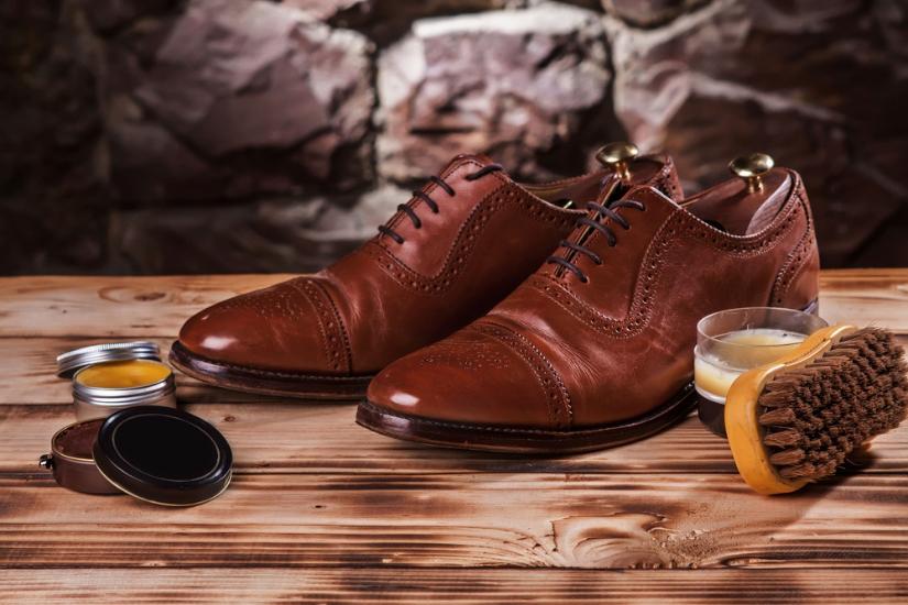 jak prać zamszowe buty