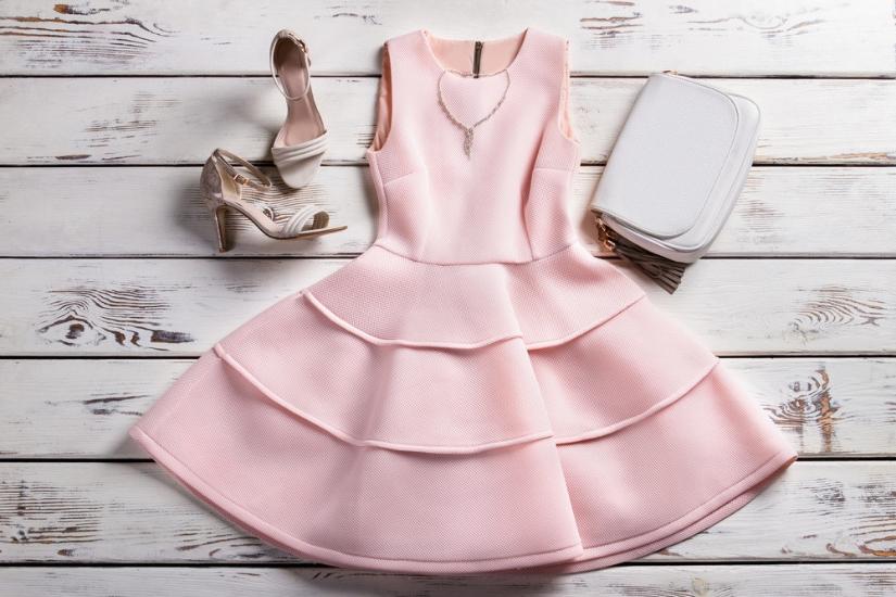 tania rozkloszowana sukienka na wesele