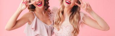 Najmodniejsze sukienki na wesele 2019 to modele z oryginalnymi zdobieniami i w pięknych kolorach!