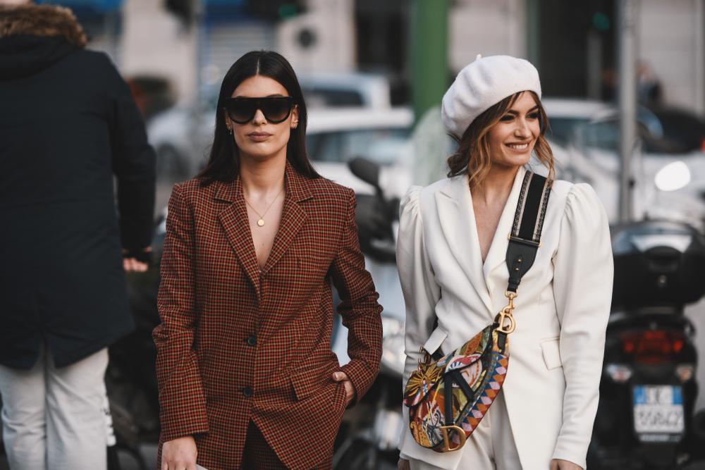 93cc6e29c8 Wzorzyste garnitury damskie wciąż modne! - Allani trendy