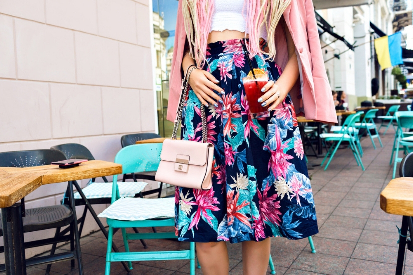 modne spódnice w kwiaty na lato 2019