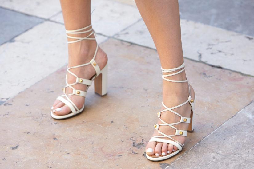 Modne sandały na lato 2019 to zarówno minimalistyczne eleganckie fasony, jak i propozycje z wyrazistymi zdobieniami!