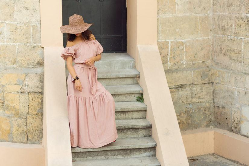 Moda na lato 2019 pełna jest odniesień do stylu retro, ale też nowoczesnych wzorów.