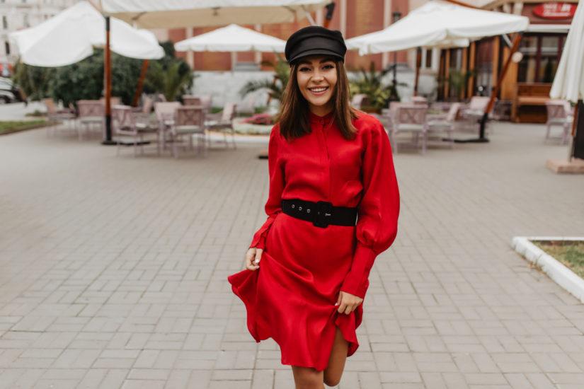 Czerwona sukienka to kwintesencja stylu i kobiecej energii!