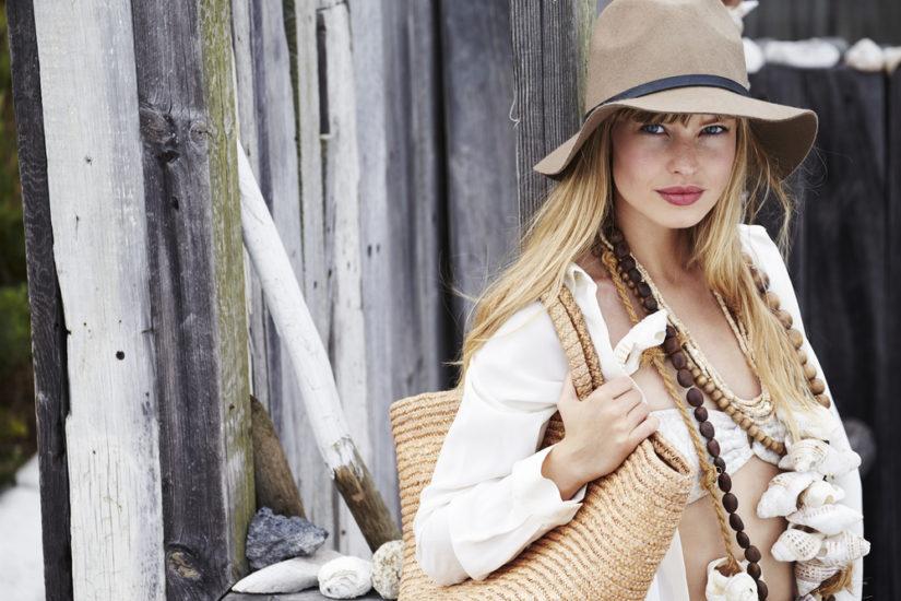 Naszyjnik z muszelek to doskonały pomysł na modny dodatek na lato!