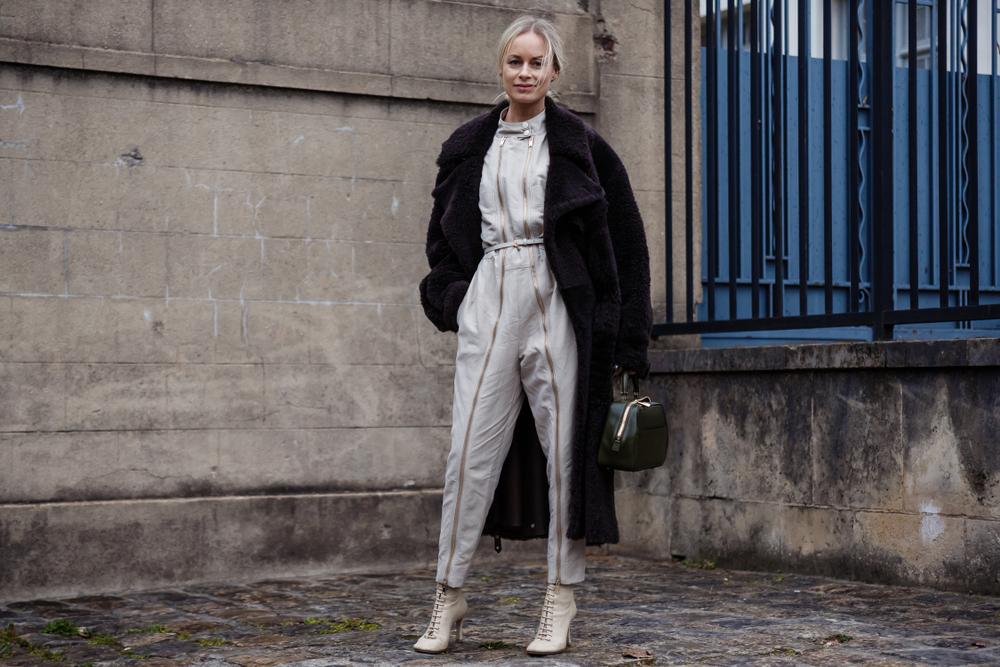 Ciepłe i modne płaszcze zimowe damskie – znajdź fason dla