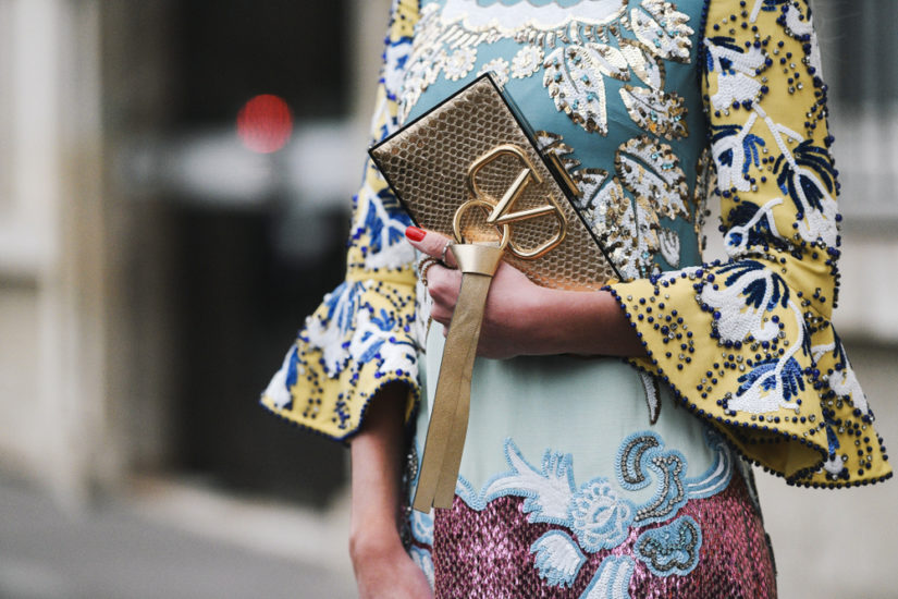 Modne eleganckie torebki wieczorowe świetnie wyglądają także w wersji z połyskiem!