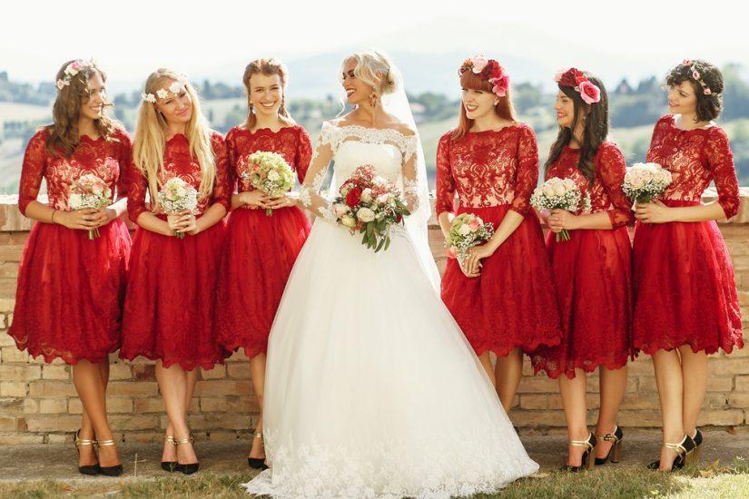 czerwona sukienka na wesele 2020