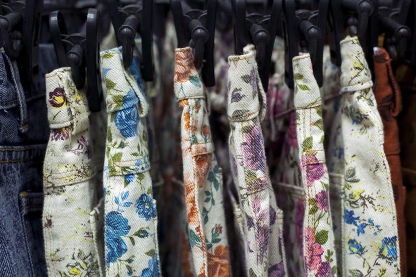 spodnie w kwiaty na lato 2020