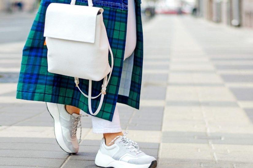 Stylowe buty z wyprzedaży lato 2020 sprawdzą się w różnych stylizacjach!