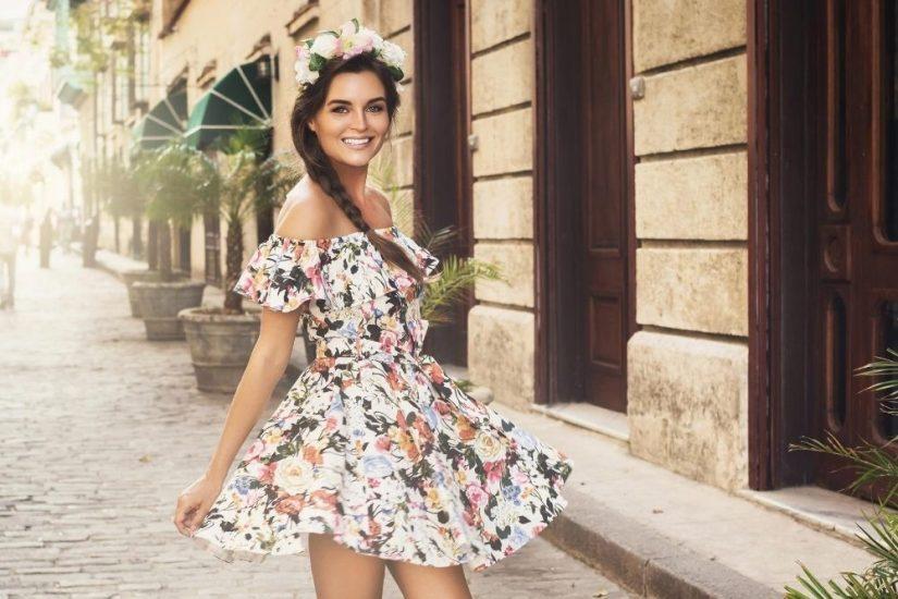 Odkryj modne zwiewne sukienki na lato